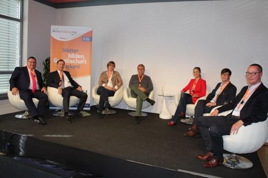 Deutscher Weiterbildungstag 2018 in Paderborn: Wie die Digitalisierung unsere Gesellschaft verändert