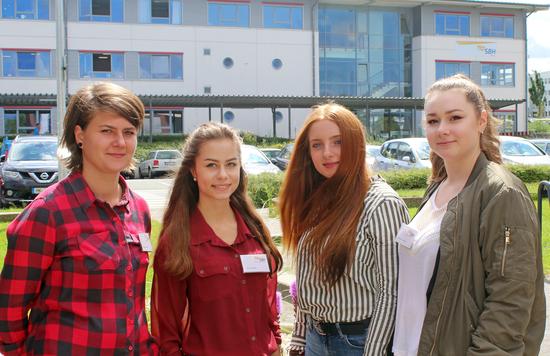 Herzlich Willkommen bei der SBH: Vier neue Auszubildende starten durch.