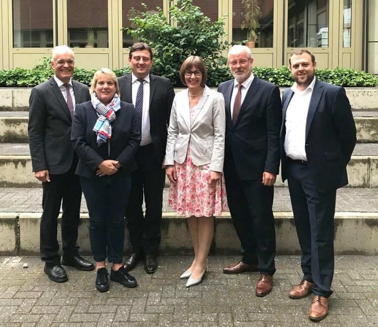 Podiumsdiskussion mit Staatssekretär Mathias Richter und Vorstandsvorsitzendem Peter Gödde in Paderborn