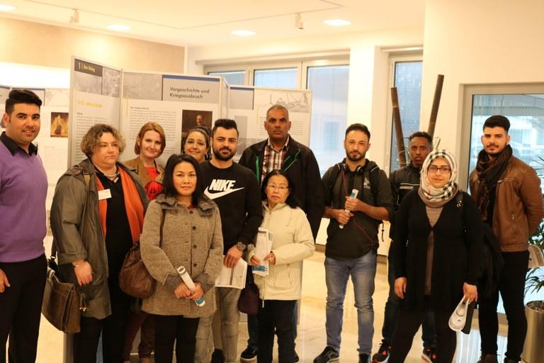 Zuwanderer besuchen Ausstellung zum Ersten Weltkrieg